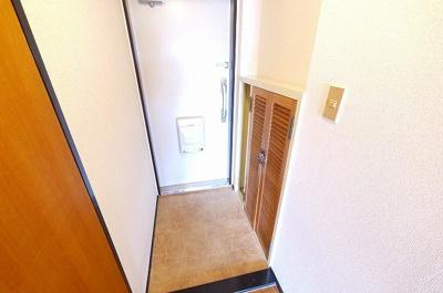 下駄箱スペースもある玄関です。