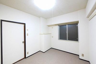 共用廊下側のお部屋ですので静かです。