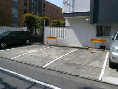 メゾンウノ駐車場