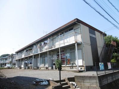 小田急小田原線「生田」駅にアクセス可能な最寄りバス停より徒歩4分!2階建てのアパートです♪