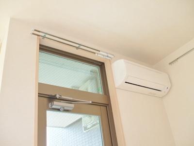 暑い夏や寒い冬に大活躍のエアコン付き!冷暖房完備で一年中快適に過ごせちゃいます♪※参考写真※