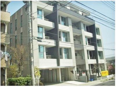 東急田園都市線「高津」駅より徒歩10分!スーパーが近くてお買い物に便利な立地の鉄筋コンクリート造5階建てマンションです♪