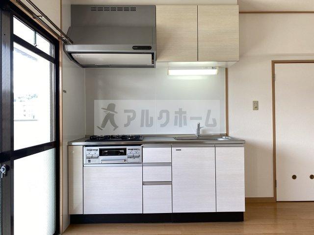 本町八幸ハイツ キッチン