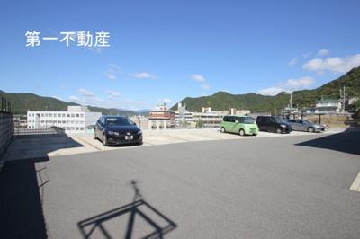 【駐車場】シャーメゾン童子山