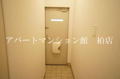 【玄関】アジャート ビブレⅡ