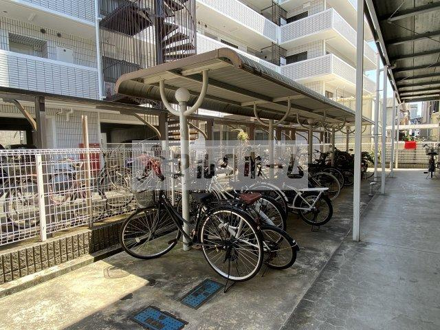 アンソレイユ 自転車置き場