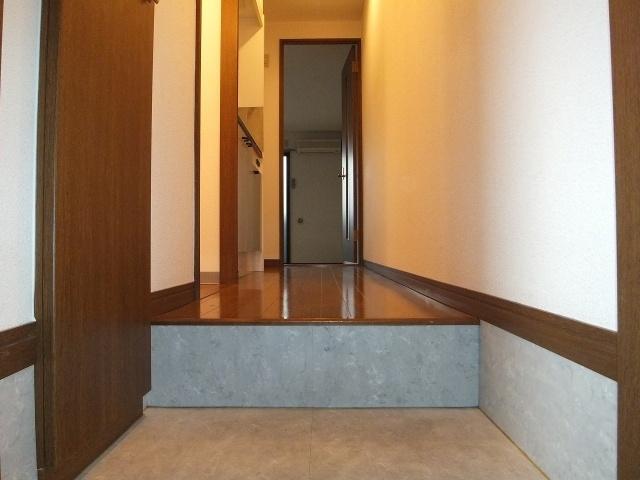 アンプルールフェールリアライフ2(玄関)