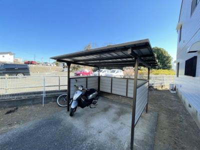 近隣50mにある駐車場です♪お車をお持ちの方ぜひぜひ!(瓦谷月極駐車場)※空区画要確認