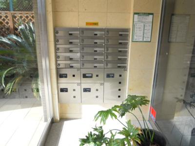 集合ポストと便利な宅配ボックス