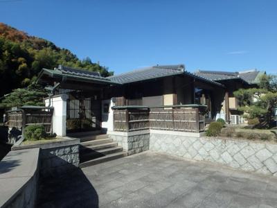 【外観】粒江庭付き平屋
