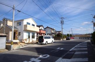 2号棟 前面道路含む現地(2018年01月)撮影