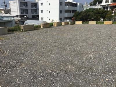 仲順駐車場