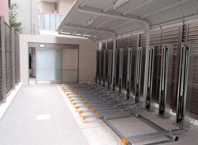 プレミスト新宿山吹の駐輪場