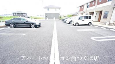【駐車場】ルービア