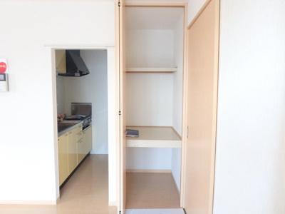 【キッチン】リビングタウン豊成
