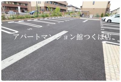 【駐車場】ゼピュロス学園の森L