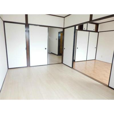 サニング本町の洋室