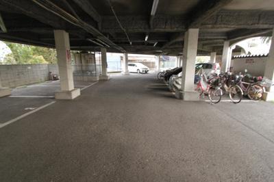 【駐車場】ロイヤル高田