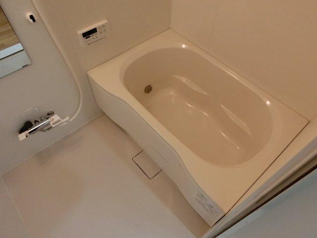 エルピス柏原 追い焚き付き浴室