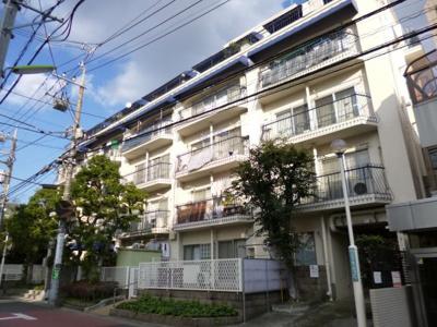 京王線「上北沢」駅徒歩3分、「八幡山」徒歩8分。「新宿」駅まで各駅停車の直通14分。交通アクセス良好です。