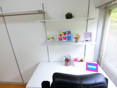 無償貸与のベッドです♪下は引き出し収納になっているので、タオルや衣類などの収納スペースとしても便利に使えますね☆