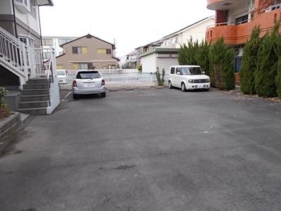 【駐車場】ロイヤルハウス