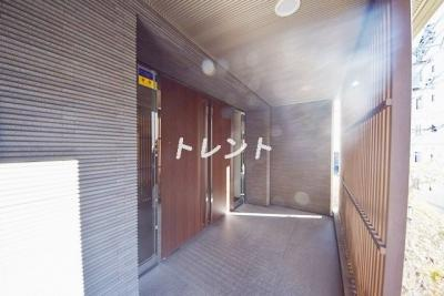 【エントランス】コンフォリア神楽坂