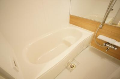 【浴室】ヴィラ・エレガントα