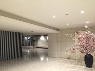 桜の時期のエントランスです