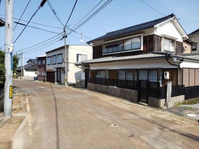 【前面道路含む現地写真】鳥取市賀露町南6丁目中古戸建