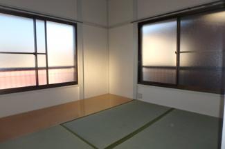 【居間・リビング】矢澤荘