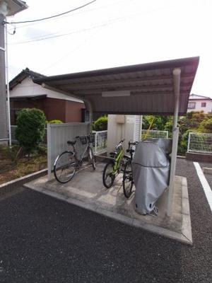 【コンフィアンサ】の屋根付き駐輪場!