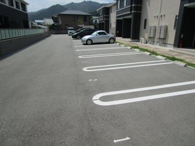 【駐車場】フォンターナ