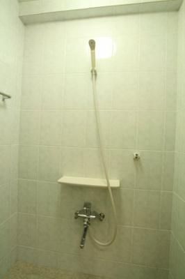 【浴室】トーマス前田