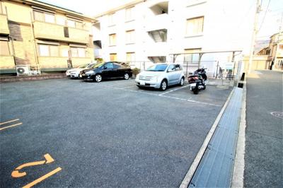 【駐車場】ウィステリア A棟