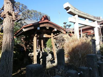 轡神社です。徳川家康公にまつわる神社ともいわれております。
