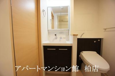 【独立洗面台】フロインテリーベ