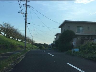 嘉麻市山野の売土地、周辺道路です。