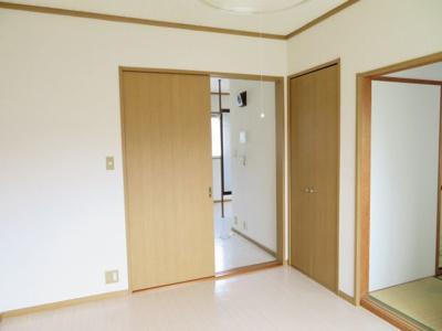 洋室の収納(同タイプ別室の写真です)