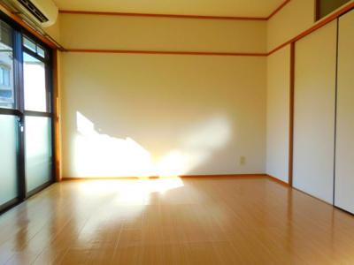 【居間・リビング】コンフォートツシマ