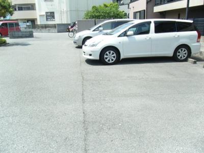 【駐車場】フローラ桜塚