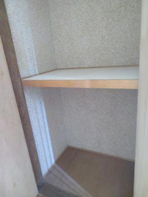 玄関の収納 同タイプの別の部屋の写真です。