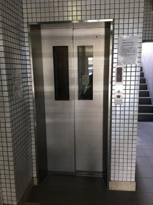 荷物が多い時にも便利なエレベーター