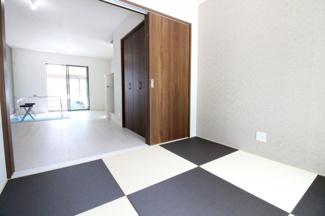 1階はLDKと和室があり、続き間になっているので扉を開放すれば20帖以上のスペースが確保できます。