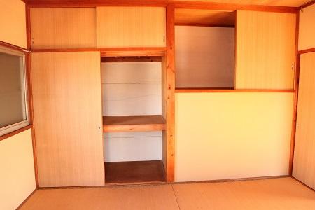 2F和室6帖部屋の押し入れ