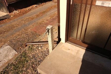 玄関脇の外水栓