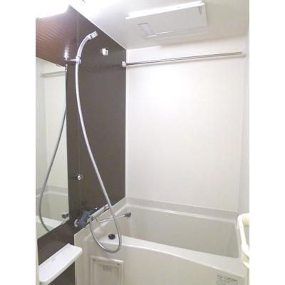 【浴室】ラグゼ新大阪イーストⅡ