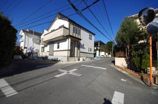 1号棟 前面道路含む現地(2017年12月)撮影