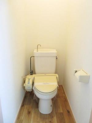 シャワートイレ付き