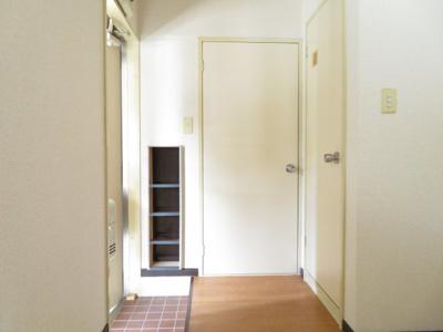 【玄関】アレスト西富山